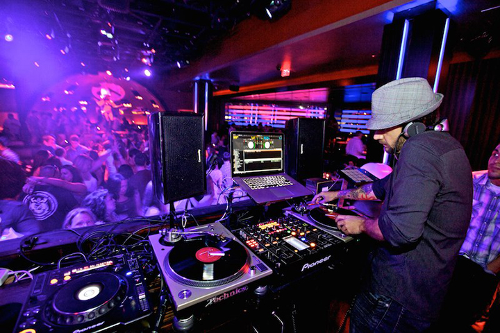 how to get dj gigs