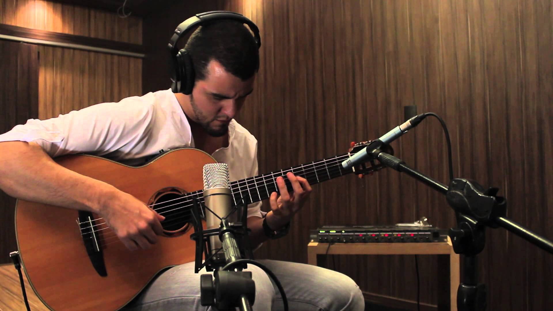 Mono and Stereo Acoustic Guitar recording - YouTube