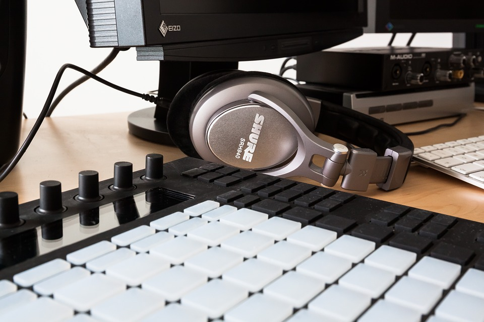 shure headphones 7 (Can't Miss) Tips For Mixing Music With Headphones