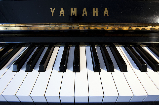 7 Essential Tips On How To Mic A Piano