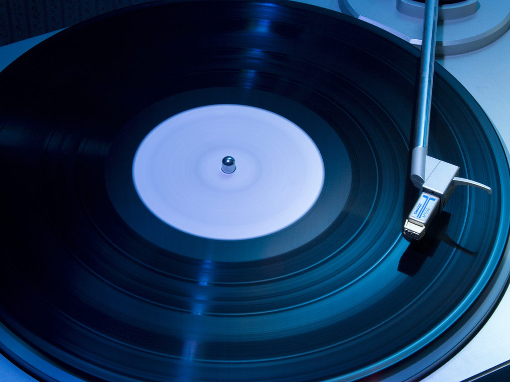 What's The Difference Between a Mixtape, Album, EP, and LP?