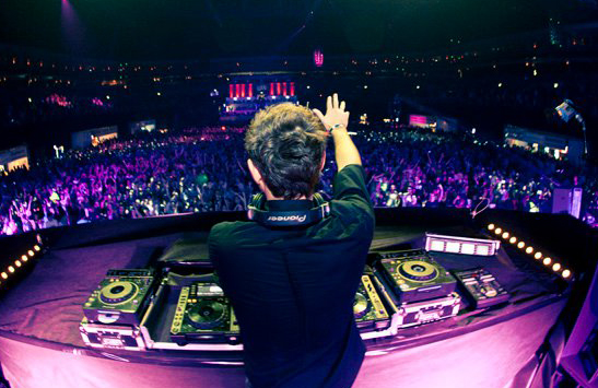 How To Become A Club DJ & Book Huge Gigs