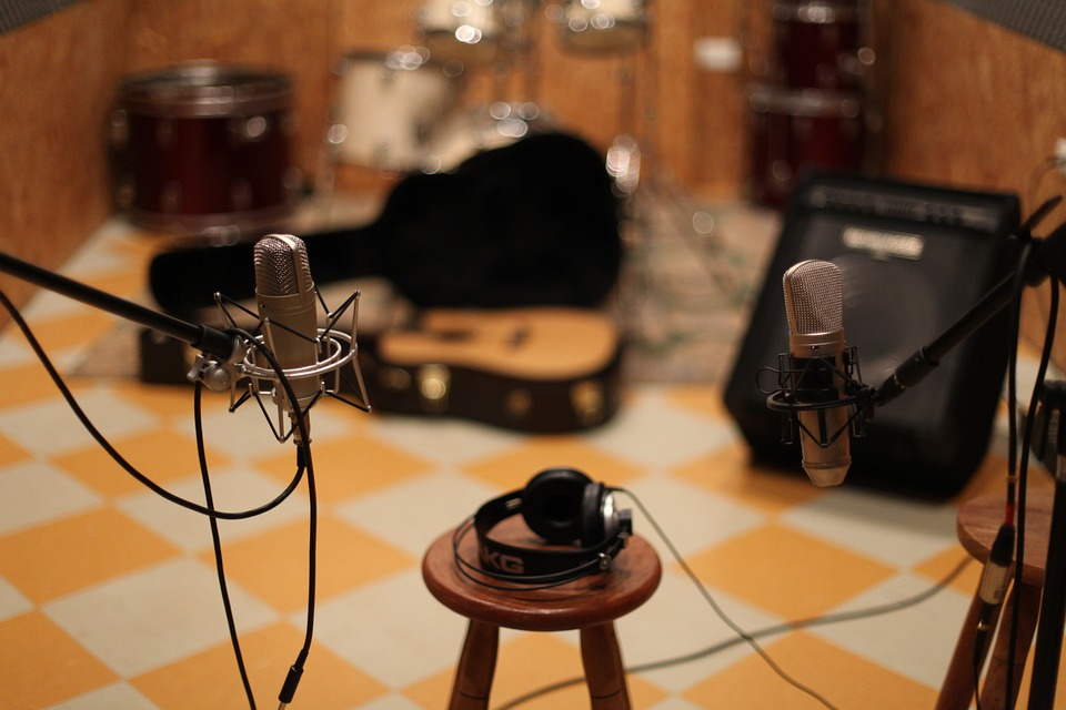 Why You Want A Session Musician For Your Next Album (& How To Get Hired As One)