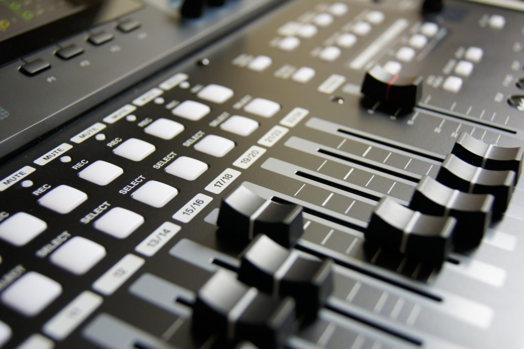 Review: Best Audio Mixing and Mastering Tips & Tutorials For Dummies