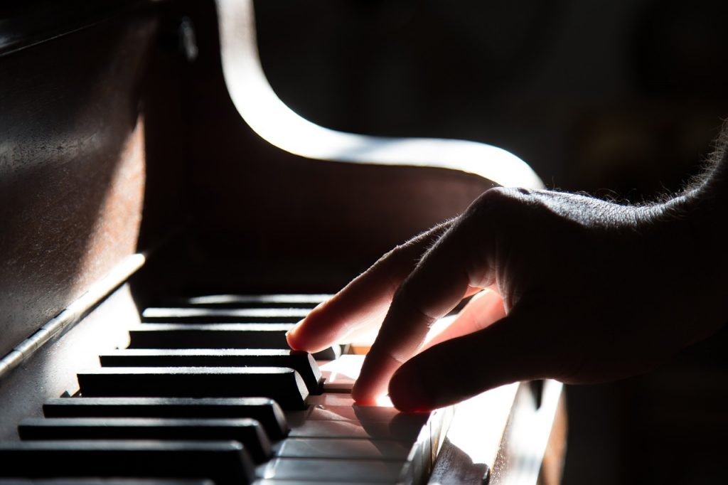 Best (New) Contemporary Classical Music Artists & Composers In The 21st Century On YouTube & Spotify