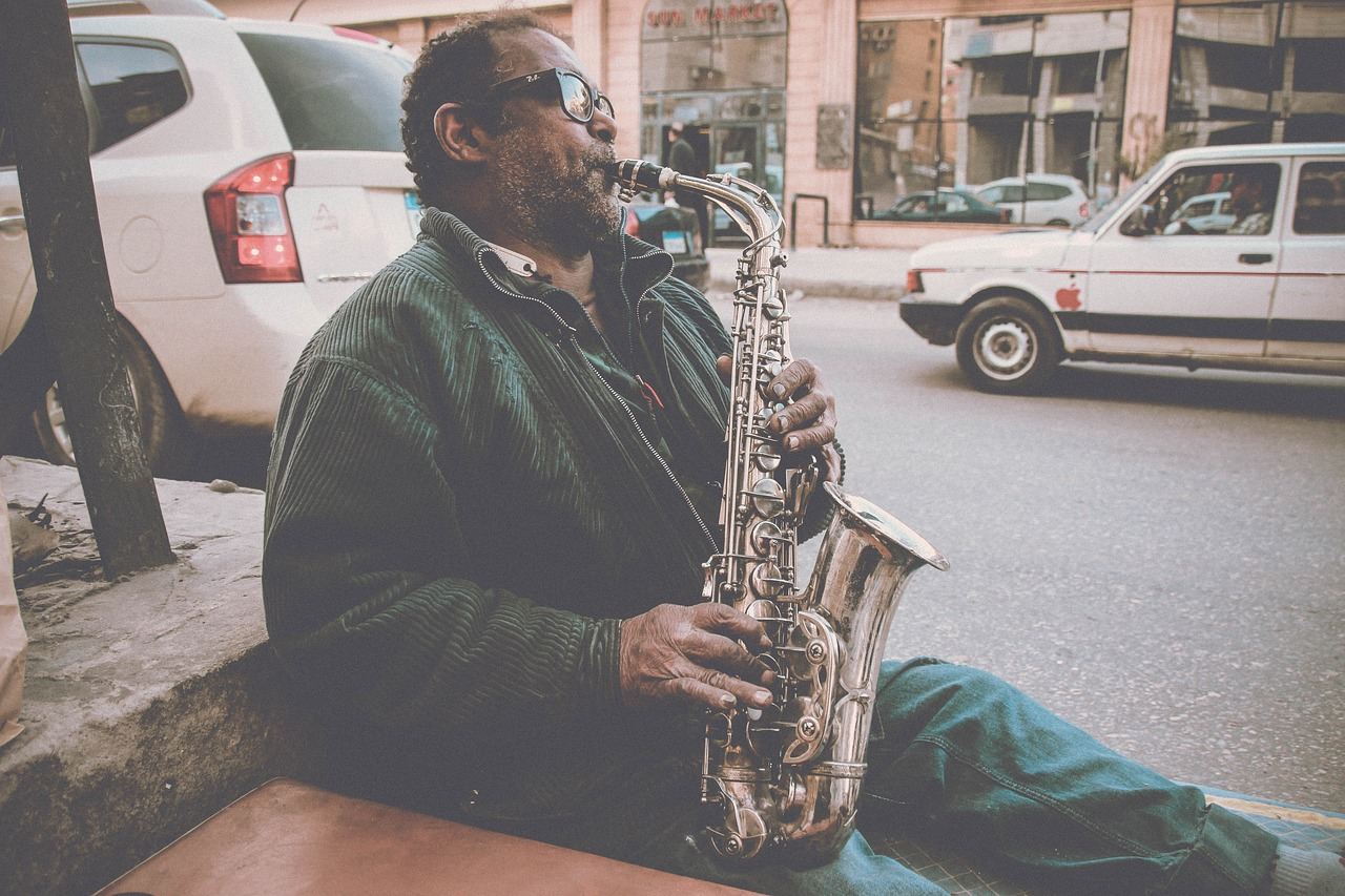 6 (Affordable) Best Small & Large Cities For Music Lovers & Artists To Live