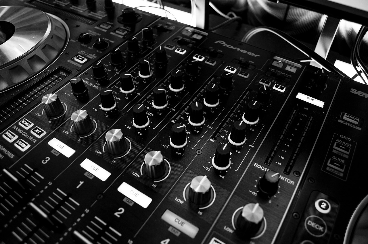 Multitracks: Everything You Need To Know About Songs, Stems