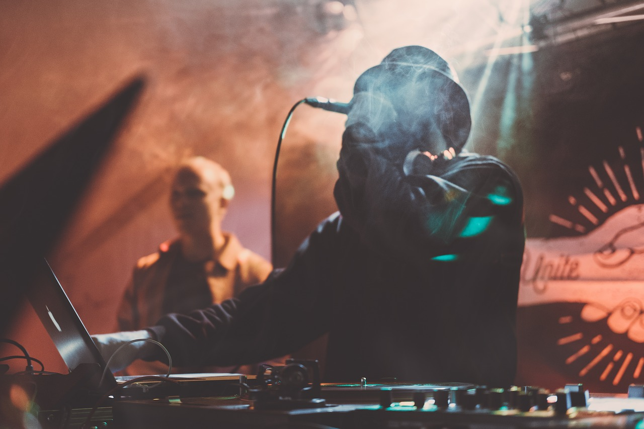 Submit Music To DJs, A&R, & Bloggers (Who Actually Want Your Submissions)