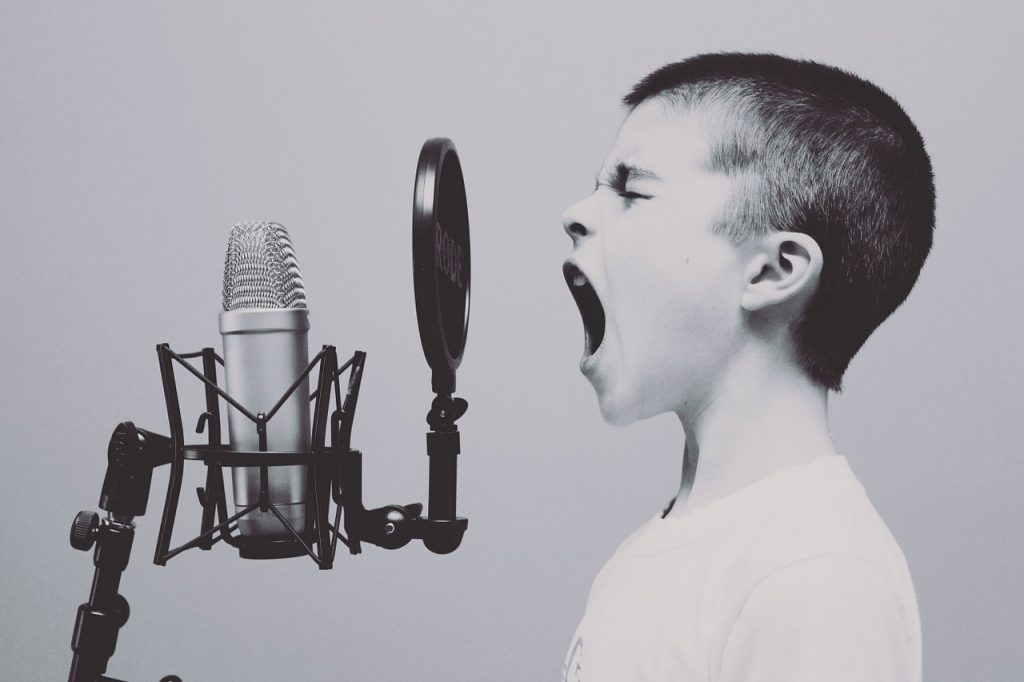 3 Best Ways to Keep Your Kids Interested in Singing Lessons