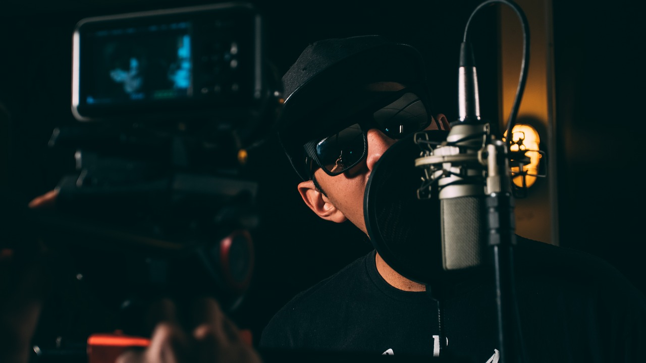 How to Rap Fast Without Mumbling, Messing Up, Or Running Out of