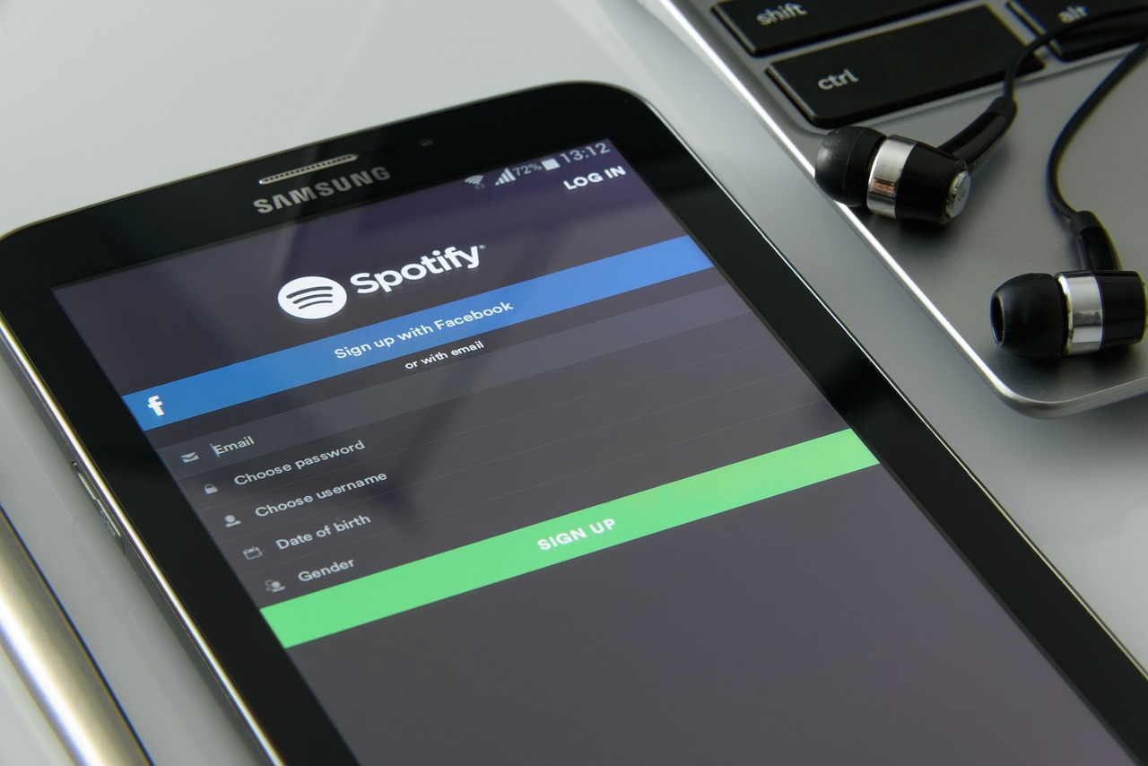 Spotify Playlist Submissions To Curators: The Complete Guide
